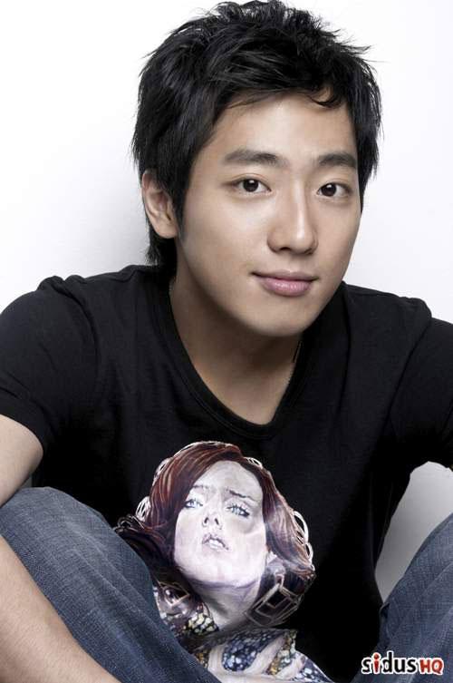http://www.sritown.com/korean/star/lee-sang-yeob/lee-sang-yeob-1.jpg